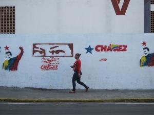 Hugo Chávez' Propagandamaschinerie: Kaum eine Strasse in Caracas, in der man dem Präsidenten nicht begegnet.
