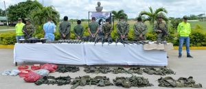 Gefangene FARC-Guerilleros. Bild: Colombia Politics