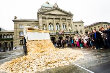 Soll das Stimmvolk mitbestimmen, wie in Bern das Geld ausgegeben wird? Bild: Stefan Bohrer