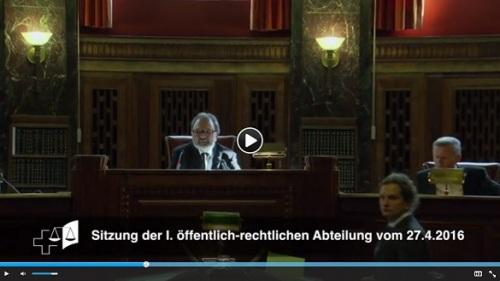 Video Frame der ersten online abrufbaren Urteilsverkündung des Bundesgerichts.