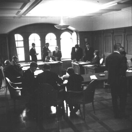 Regierungsratssaal Schaffhausen (Foto: Bruno und Eric Bührer, 1968, StadtA SH, Sig. J 10/18366)